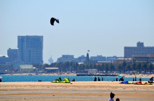 Kiteboarding by the city